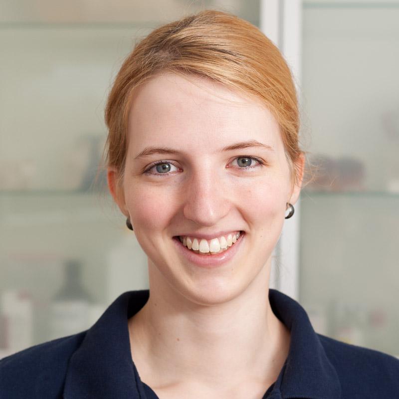 Silvia Bremehr, Tierarzthelferin
