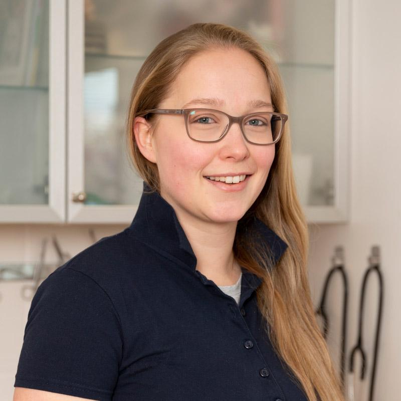Vanessa Grüneberg, Tiermedizinische Fachangestellte